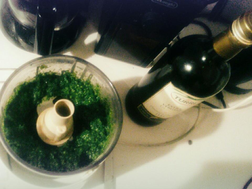 Wiesen-Pesto mit viel Löwenzahn!