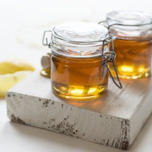 Halsweh-Honig mit Salbei und Zitrone