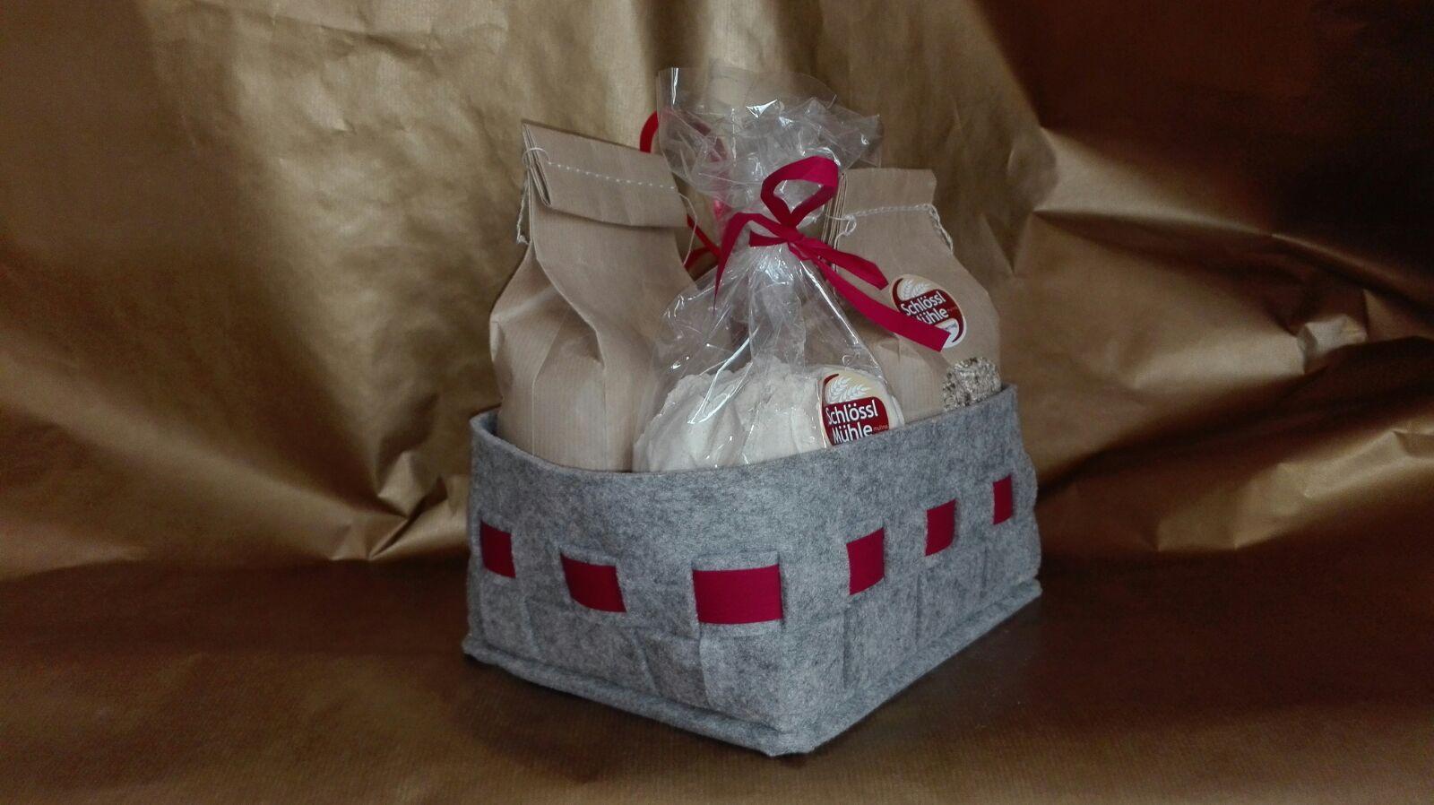 Bunte Weihnachtskekse mit Dinkel-Halbvollkornmehl