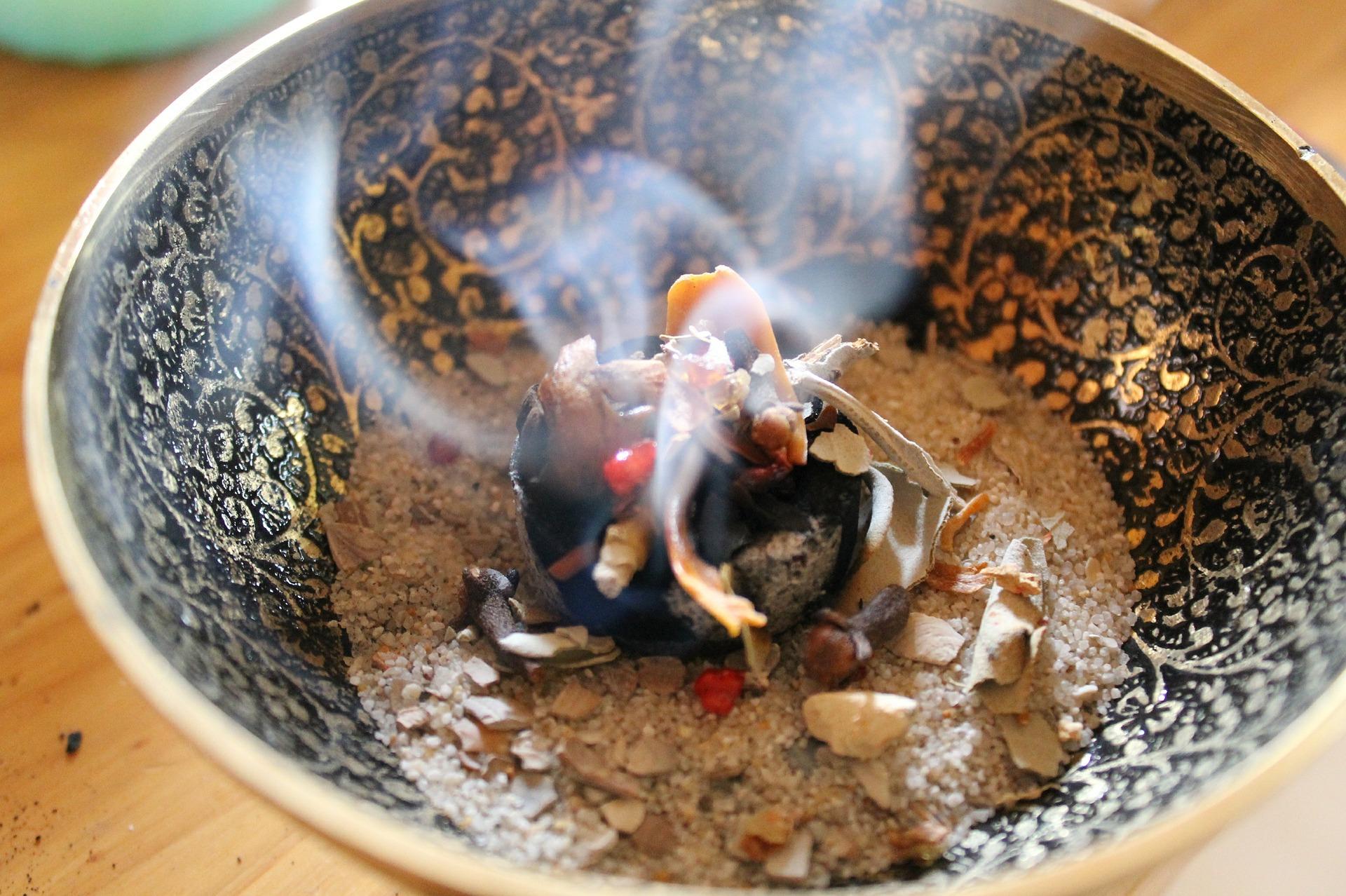 L'arte di bruciare le erbe